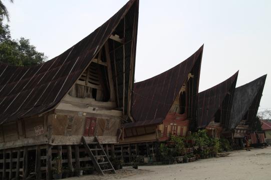 Rumah Adat Batak di Pulau Samosir